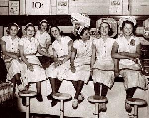 87294g m05 twih 75yr 300 - Παγκόσμια Ημέρα της Γυναίκας: Η ιστορία της 8ης Μαρτίου -