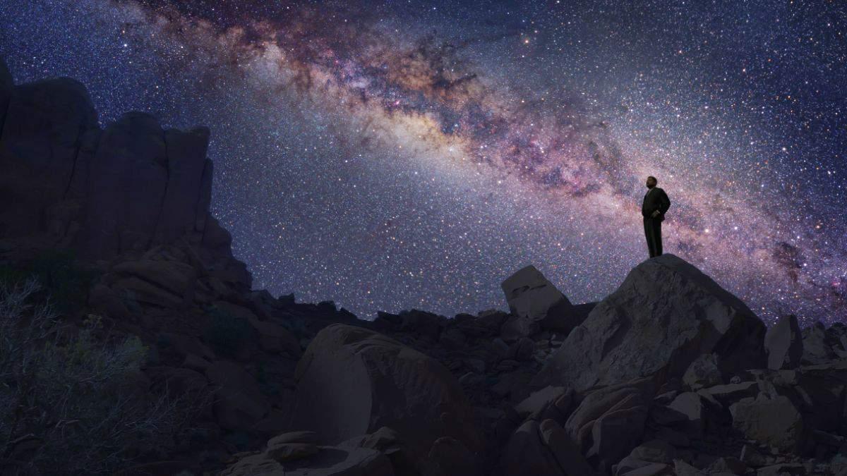 Ο Μάνος Δανέζης στο Tvxs.gr: Από την πτώση των πολιτισμών έως τις νέες αλήθειες του Σύμπαντος