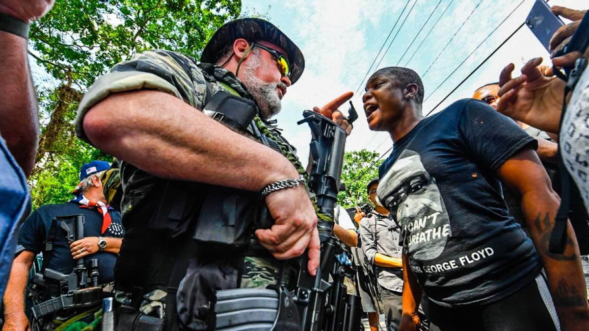 Οι ακροδεξιές πολιτοφυλακές του Τραμπ που απειλούν με εμφύλιο αν χάσει τις εκλογές