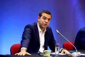 Άρθρο παρέμβαση του Αλέξη Τσίπρα: Στο κρίσιμο σταυροδρόµι υπάρχουν δύο δρόμοι