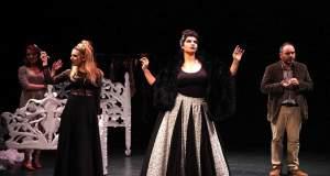 «Έξι πρόσωπα ζητούν συγγραφέα» του Luigi Pirandello στο Θέατρο «Olvio»