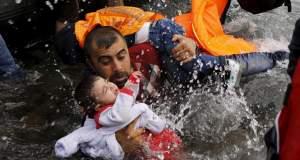 Το προσφυγικό δράμα μέσα από τον φακό του Γιαννη Μπεχράκη