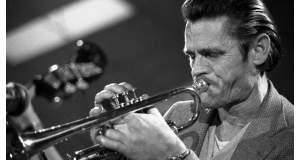 Chet Baker, ο μουσικός της jazz, με τη βελούδινη τρομπέτα