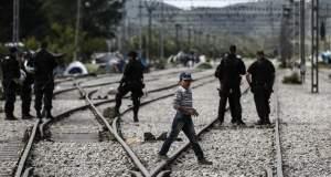 ΠΟΕΣΥ: Λογοκριτική η παρεμπόδιση των δημοσιογράφων στην Ειδομένη