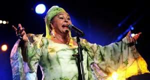Πέθανε η Έσμα Ρετζέποβα, η βασίλισσα της τσιγγάνικης μουσικής