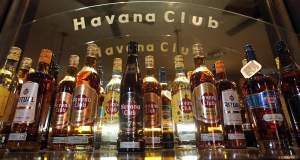 Η Κούβα θέλει να πληρώσει το χρέος της στην Τσεχία… με ρούμι
