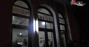 Το Τηνιακό δεν κλείνει. Γίνεται συνεταιριστικό καφενείο!