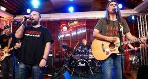 Οι Πυξ Λαξ ξανά μαζί για τα 30 χρόνια του γκρουπ με μια μεγάλη συναυλία