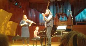 Ο Λεωνίδας Καβάκος επί σκηνής με φοιτητές στη Βασιλική Μουσική Ακαδημία της Δανίας