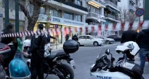 Μολότοφ έξω από τα γραφεία του ΣΥΡΙΖΑ - «Δολοφονική επίθεση από τραμπούκους»