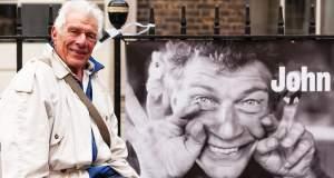 Τζον Μπέρτζερ: Ένας ριζοσπάστης διανοούμενος και ζωγράφος