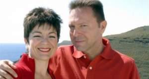 Ο «έρωτας» του ζεύγους Στουρνάρα με τις φαρμακοβιομηχανίες και μια ανάθεση των 400.000 ευρώ