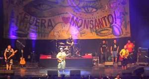 Ο Μanu Chao τα βάζει με Monsanto και Bayer: Ακούστε το νέο τραγούδι του [ΒΙΝΤΕΟ]