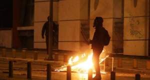 Δύο συλλήψεις μετά από επιθέσεις με μολότοφ σε διμοιρία των ΜΑΤ στα Εξάρχεια