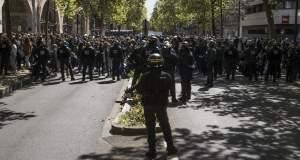 Γαλλία: Επεισόδια στις διαδηλώσεις εναντίον και των δύο υποψηφίων για την προεδρία [Βίντεο]