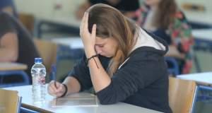 Πως το άγχος και η πίεση των γονιών για τις εξετάσεις μεταφέρεται στα παιδιά