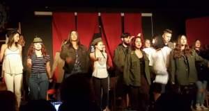 Μια θεατρική παράσταση από μαθητές Λυκείου στο Πάρκο Εθνικής Συμφιλίωσης