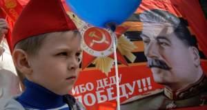 Ο Στάλιν διχάζει τους Ρώσους
