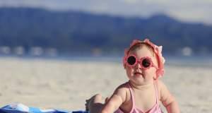 Στην παραλία με το μωρό: Η λίστα με όλα τα απαραίτητα