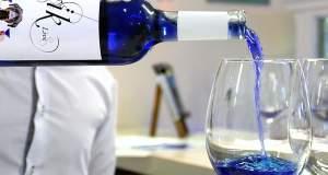 Όλο και πιο δημοφιλές γίνεται το μπλε κρασί [ΦΩΤΟ+ΒΙΝΤΕΟ]