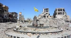 «Ιστορική νίκη» του αραβοκουρδικού συνασπισμού που έδιωξε τον ISIS από τη Ράκα