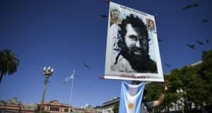 Αργεντινή: Οργισμένος, μαζικός αποχαιρετισμός στον δολοφονημένο ακτιβιστή