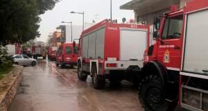 Απεγκλώβισαν μητέρα με τα τρία της παιδιά από σπίτι που πλημμύρισε στη Σαλαμίνα