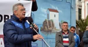 Ο δήμαρχος Μυτιλήνης καλεί σε συγκέντρωση στην Αθήνα «για να μη μετατραπεί το νησί σε φυλακή»