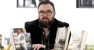 Stuart Neville, ο βασιλιάς του ιρλανδικού νουάρ στο Tvxs.gr: Η αστυνομική λογοτεχνία γράφεται στους δρόμους