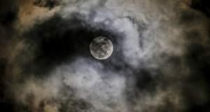 Μύθος ότι οι μεγάλοι σεισμοί συμβαίνουν σε συγκεκριμένες φάσεις της σελήνης