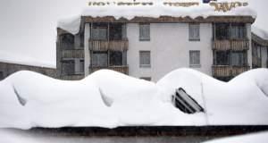 Νταβός: Μεγάλες χιονοπτώσεις και φόβοι για χιονοστιβάδες - Μετ' εμποδίων οι αφίξεις για το οικονομικό φόρουμ