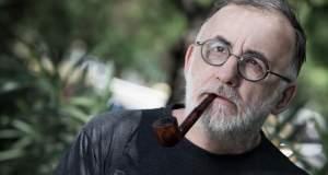 Θάνος Μικρούτσικος: «Όσοι περπάτησαν μαζί μου»
