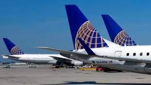 United Airlines: Κώδικας ενδυμασίας... ανάλογα με την τιμή του εισιτηρίου