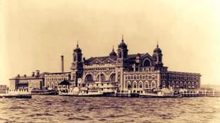 «Βρωμοέλληνες»: Όταν οι Έλληνες μετανάστες έφταναν στο Ellis Island