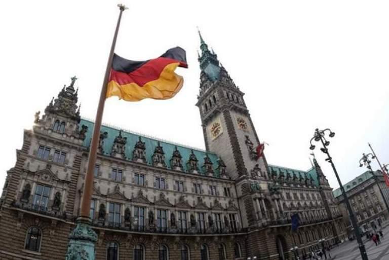 ΗΠΑ - Γαλλία να κηρύξουν πόλεμο στα γερμανικά πλεονάσματα