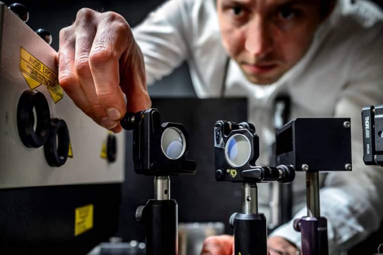 Η ταχύτερη κάμερα στον κόσμο που τραβά 5 τρισ. εικόνες το δευτερόλεπτο