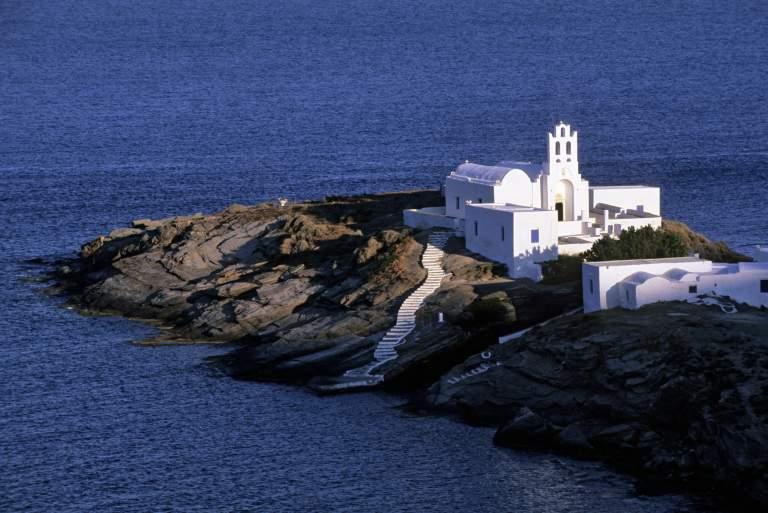 Ταξιδέψτε δωρεάν στη Σίφνο με το Tvxs.gr και την Hellenic Seaways