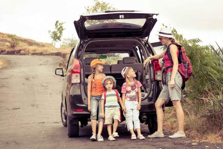 Φτάσαμε; 8 δραστηριότητες για να κρατήσετε απασχολημένα τα παιδιά στο ταξίδι