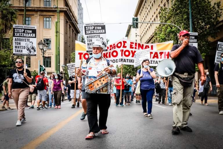 Χιλιάδες στην κινητοποίηση ενάντια στο νομοσχέδιο για τα εργασιακά [Βίντεο & Φωτογραφίες]