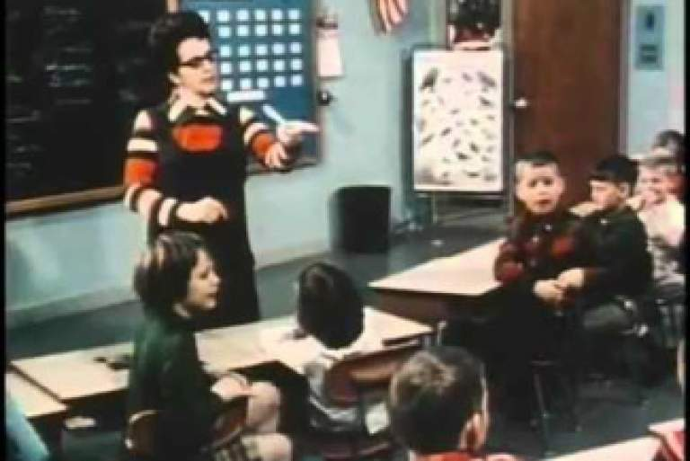 Μία τάξη, φυλετικά διαχωρισμένη